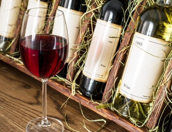 8 Home Wine Bar Ideas for Homeowners